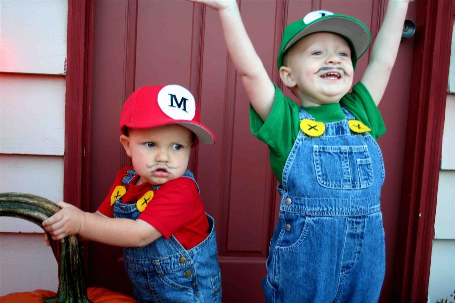 10-cheap-easy-awesome-diy-halloween-costumes-for-kids.w1456.jpg